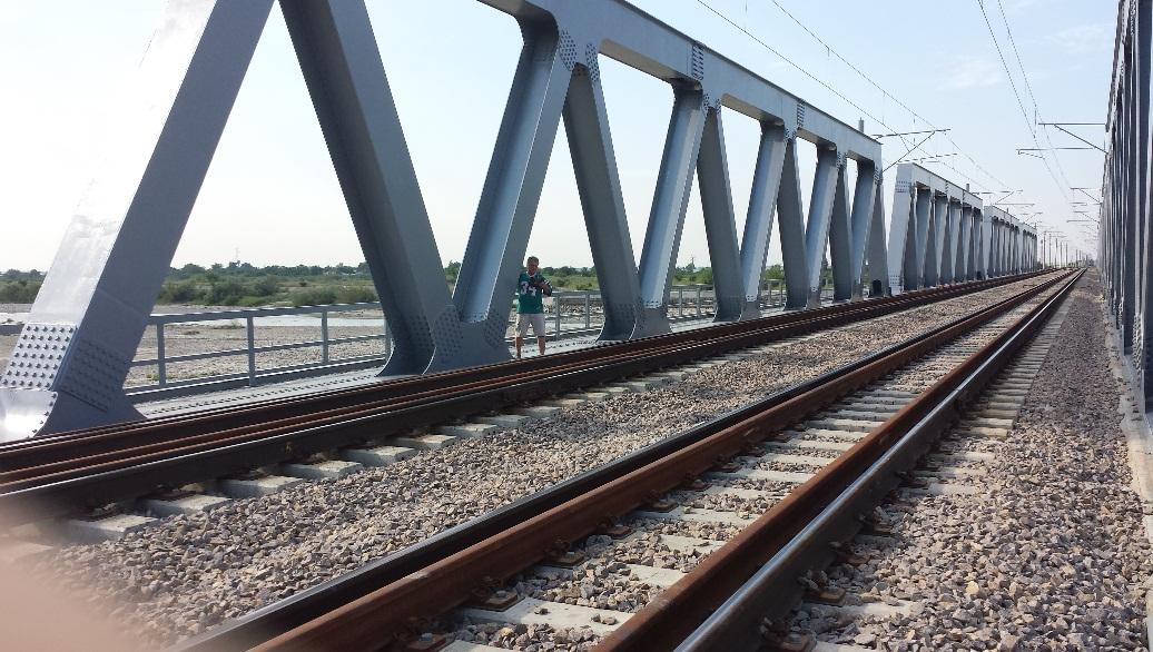 Pod cale ferata Putna Seaca 3